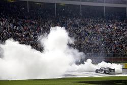 Ganador, Kevin Harvick, Stewart-Haas Racing, Ford