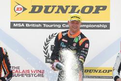Ganador de carrera Josh Cook, Power Maxed Racing