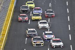 Erik Jones, Joe Gibbs Racing, Toyota Camry Sport Clips, Chase Elliott, Hendrick Motorsports, Chevrolet Camaro SunEnergy1