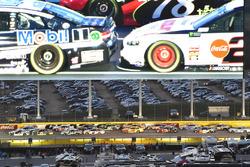 Kevin Harvick, Stewart-Haas Racing, Ford Fusion Jimmy John's, Matt Kenseth, Roush Fenway Racing, Ford Fusion #DoYouKnowJack