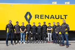Foto grupal Renault Sport Academy y Infiniti Engineering Academy