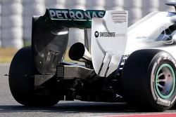 De nieuwe megafoonuitlaat op de Mercedes GP