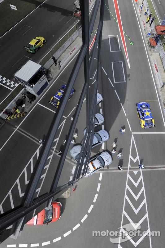 Mike Rockenfeller, Audi Sport Team Phoenix, Audi RS 5 DTM, Gary Paffett, Euronics Mercedes AMG