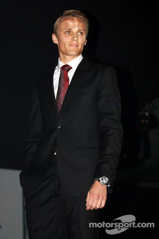 Max Chilton, Marussia F1 Team, no Salão Amber Fashion Show