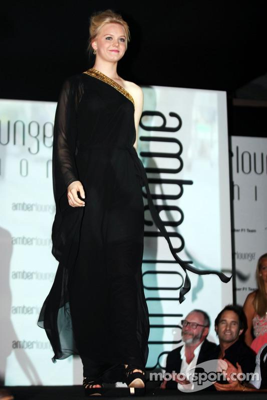 Emilia Pikkarainen, Snamorada de Valtteri Bottas, Williams no Amber Lounge Fashion Show