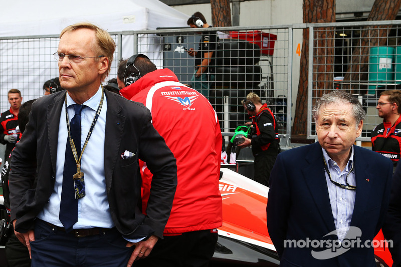 (L to R): Ari Vatanen, Former World Rally Champion and Jean Todt, FIA President on the grid