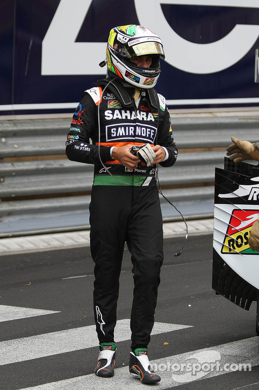 Unfall: Sergio Perez, Sahara Force India F1 VJM07