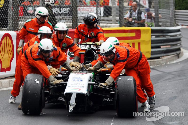 Sergio Perez, Sahara Force India F1 VJM07, incidente alla partenza
