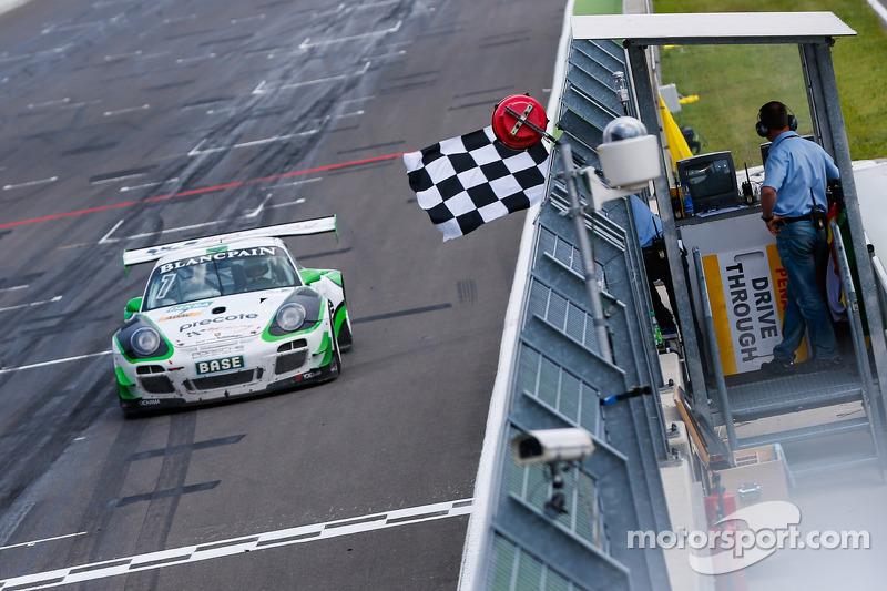 #7 Tonino Team Herberth 保时捷 911 GT3 R: 赫伯特·汉德洛斯, 阿尔弗雷德·雷瑙尔