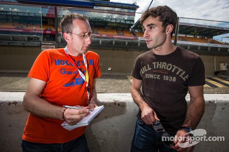 Franck Mailleux ünlü gazeteci Laurent Mercier ile röportaj yapıyor