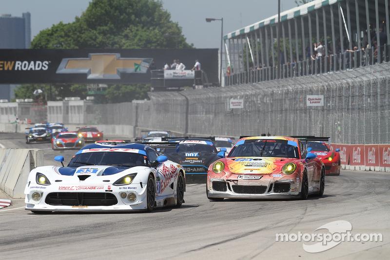 #33 Riley Motorsports SRT 蝰蛇 GT3-R: 杰伦·布勒克莫伦 和 本·基廷  #73 Park Place Motorsports 保时捷 911 GT America: 派特里克·林德赛 & 凯文·埃斯特雷