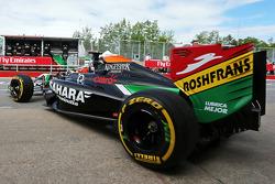 Nico Hülkenberg, Sahara Force India F1 VJM07, fährt aus der Box