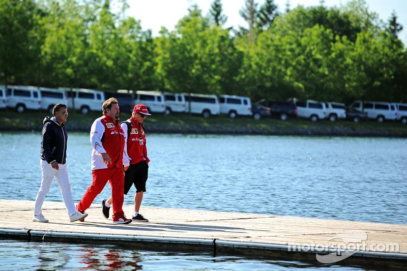 Jean Alesi, con Gino Rosato, Ferrari e Kimi Raikkonen, Ferrari