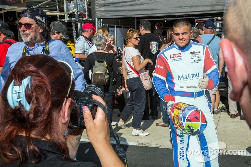Fan posing as team Matmut driver
