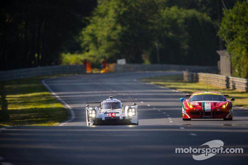 #14 Porsche Team Porsche 919 Hybrid: Romain Dumas, Neel Jani, Marc Lieb, #81 AF Corse Ferrari 458 Italia: Steve Wyatt, Michele Rugolo, Sam Bird