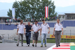 Trackwalk: Adrian Sutil, Sauber