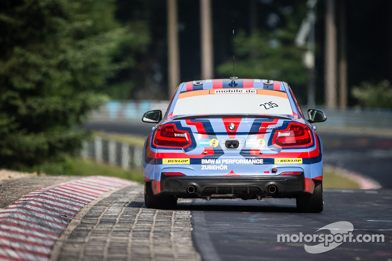 #235 宝马 Motorsport 宝马 M235i Racing: Marcus Schurig, 阿历克斯·霍夫曼, Jethro Bovingdon, Alex和er Mies