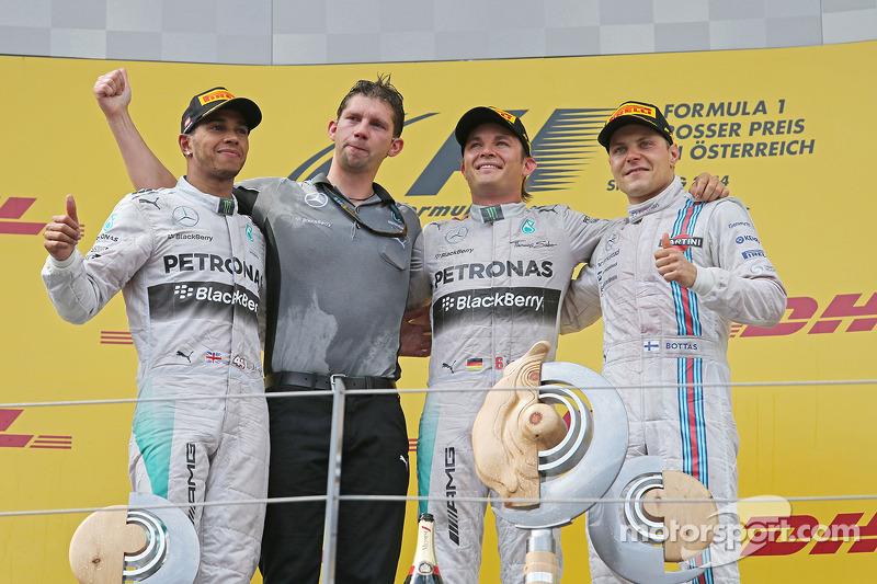 Il podio, Nico Rosberg Mercedes AMG F1, secondo; Lewis Hamilton, Mercedes AMG F1, vincitore della gara; Daniel Ricciardo, Red Bull Racing, terzo