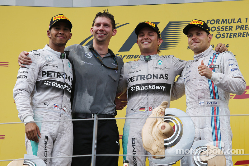 1st place Nico Rosberg, Mercedes AMG F1 with 2nd place Lewis Hamilton, Mercedes AMG F1 W05 and 3rd p