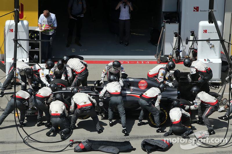 Boxenstopp: Adrian Sutil, Sauber F1 Team