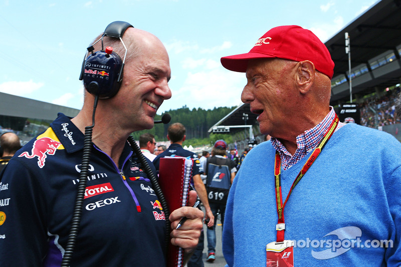Christian Horner, Red Bull Racing Takım Patronu ve Niki Lauda, Mercedes Fahri Başkanı gridde