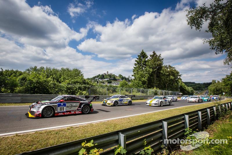 起步: #111 Raeder Motorsport 奥迪 TT RS 2.0: Elmar Deegener, Jürgen Wohlfarth, Christoph Breuer, Dieter Schmidtmann