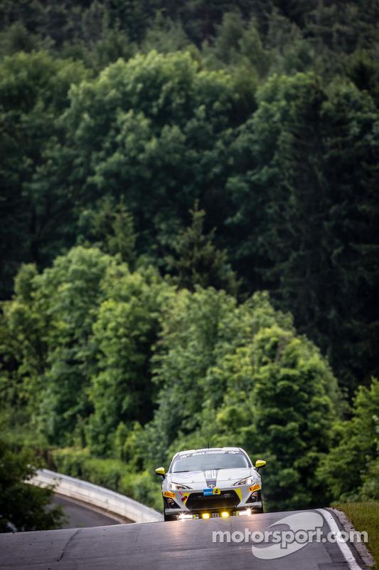 #207 Dörr Motorsport 丰田 TMG GT86 Cup: Maciej Dreszer, Francesco Fanari, Dirk Heldmann, Stefan Kenntemich