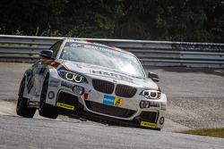 #313 Walkenhorst Motorsport 宝马 M235i Racing: Michael Schrey, Emin Akata