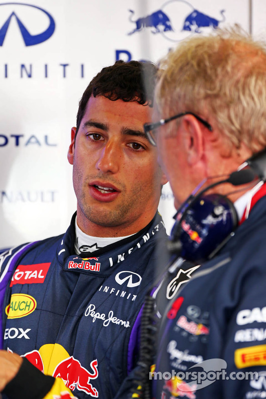 Daniel Ricciardo, Red Bull Racing with Dr Helmut Marko, Red Bull Motorsport Consultant