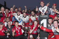 Holden Racing Team celebrates 1-2 finish for Garth Tander and James Courtney