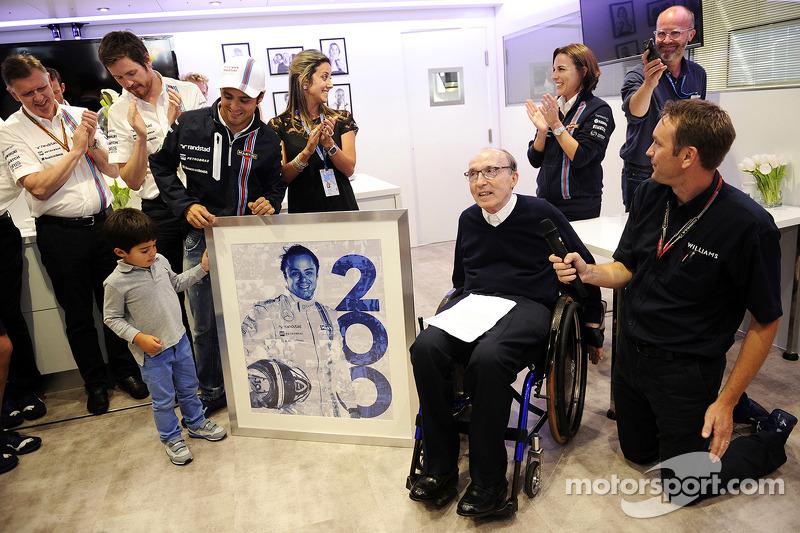 Felipe Massa, Williams 200. GP'sini kutluyor ve ailesi, Frank Williams, Williams Takım Sahibi, Clair