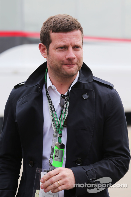 Dermot O'Leary, Radio and TV Reporter