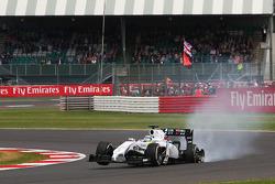 Felipe Massa, Williams FW36 with punctured rear wheel and rear suspension damage