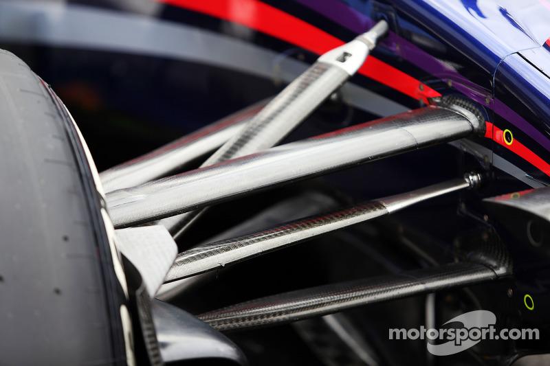 Daniel Ricciardo, Red Bull Racing RB10 front suspension detail