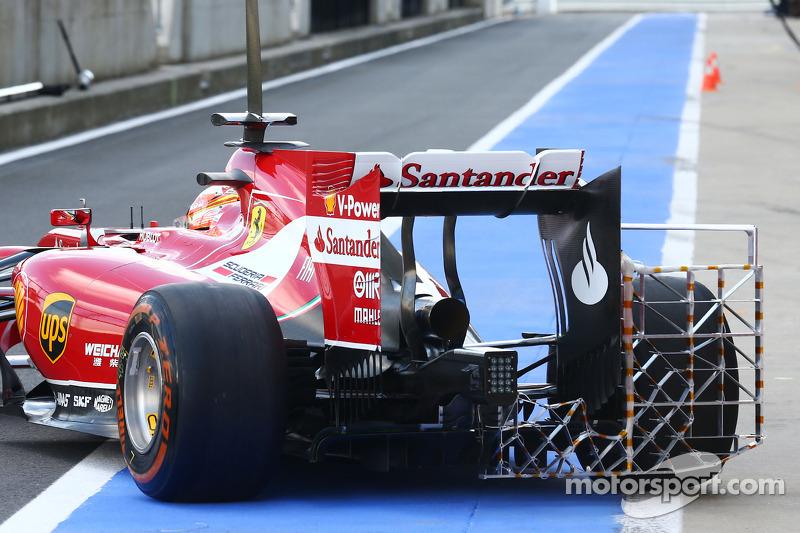 朱尔斯,比安奇,法拉利F15-T测试车手测试传感设备