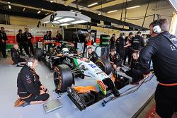 印度力量车队预备、测试车手丹尼尔·朱尼卡德拉测试VJM07