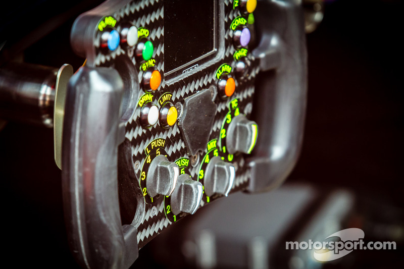 #12 Rebellion Racing Rebellion R-One - Toyota steering wheel