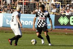 Jules Bianchi, Marussia F1 Takımı, pilotlar vs. all stars, Kick for Kinder yardım maçında