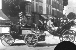 Count Jules-Albert de Dion (De Dion-Bouton steam tractor) finished 1st, ruled ineligible for prize