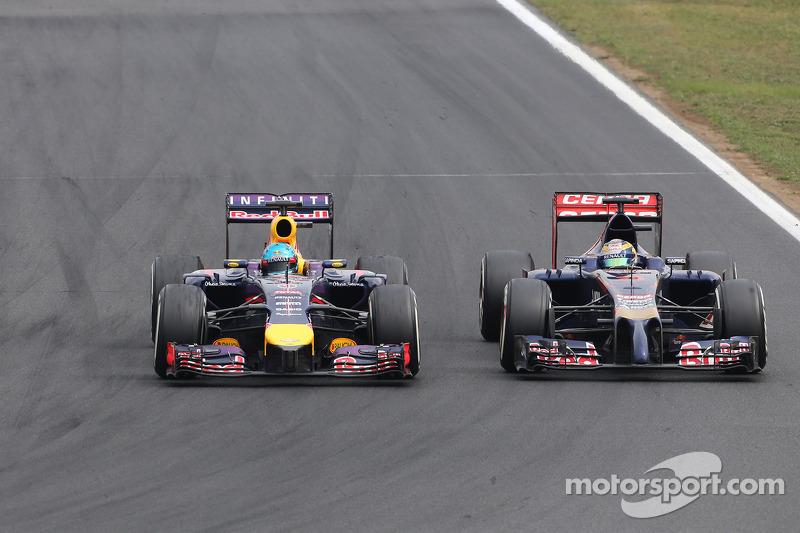 Sebastian Vettel, Red Bull Racing; Jean-Eric Vergne, Scuderia Toro Rosso