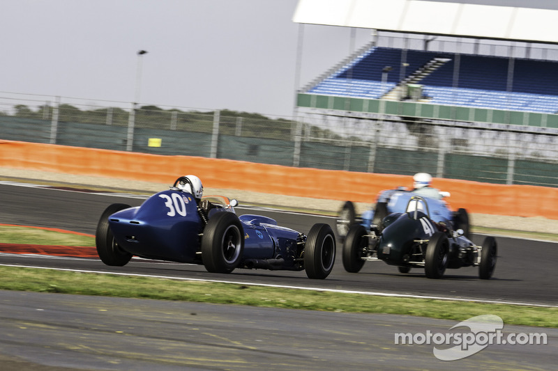 #30 Scarab Offenhauser: Julian Bronson