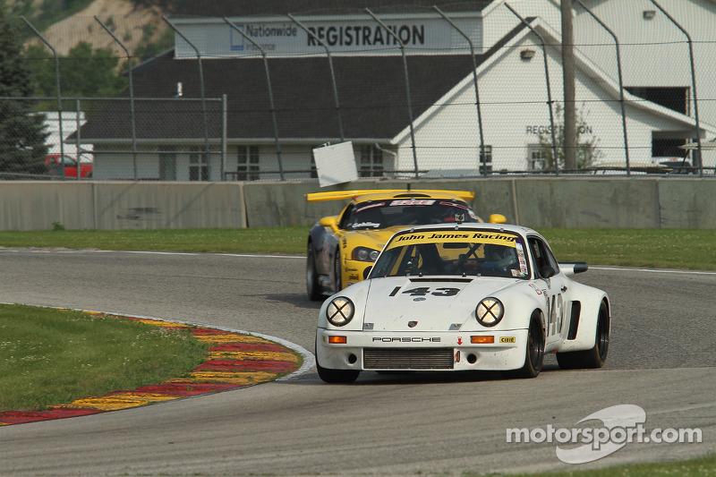 #143 1974 保时捷 911 RSR: Brian Pettey
