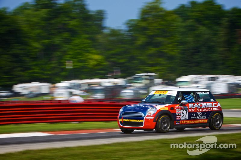 #57 Racing.ca Mini 库珀: 安德烈·基泽尔