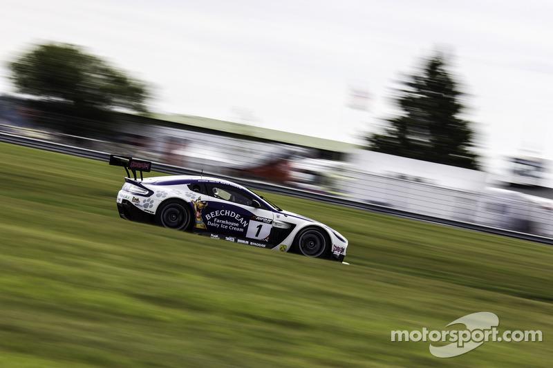 #1 Beechdean AMR 阿斯顿马丁 Vantage GT3: 安德鲁·霍华德, 乔尼·亚当