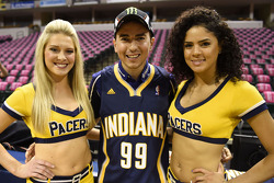 Jorge Lorenzo con le cheerleaders Indiana Pacers