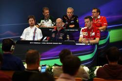 FIA-Pressekonferenz: John Iley, Technischer Direktor Caterham F1 Team; Andrew Green, Technischer Direltor Sahara Force India F1 Team; Dave Greenwood, Renningenieur Marussia F1 Team; Rob Smedley, Technikchef Williams; Adrian Newey, Red Bull