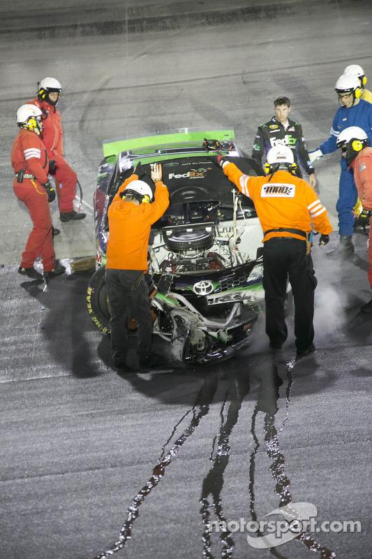 Denny Hamlin, Joe Gibbs Racing Toyota bate