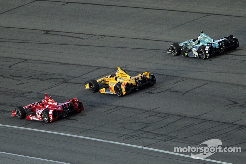 Three wide racing