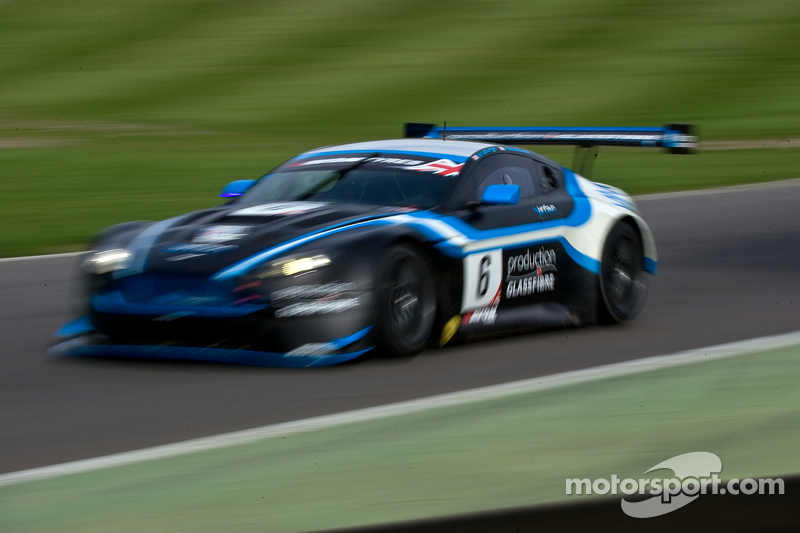 #6 PGF - Kinfaun AMR 阿斯顿马丁 Vantage GT3: 菲尔·德赖伯勒, 约翰·高
