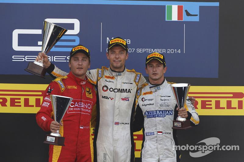 Podio: El segundo lugar Stefano Coletti, ganador Race Jolyon Palmer, el tercer lugar Stephane Richelmi